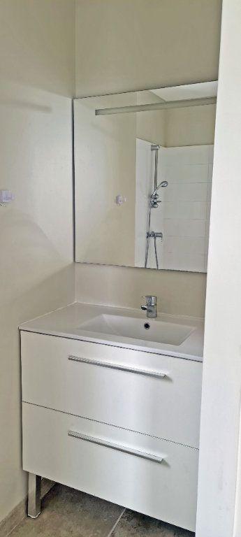 Appartement à louer 4 80.86m2 à Fort-de-France vignette-10