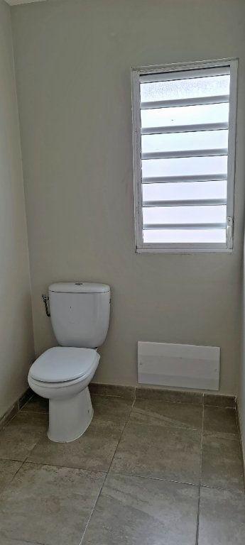Appartement à louer 4 80.86m2 à Fort-de-France vignette-11