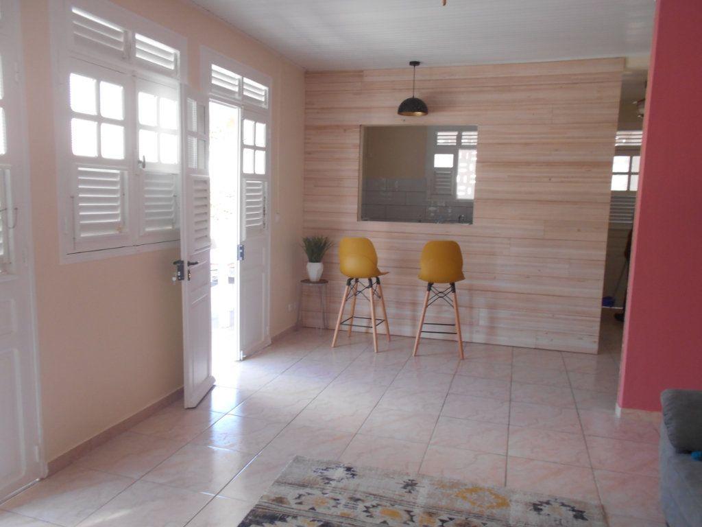 Appartement à louer 4 74.5m2 à Sainte-Luce vignette-2