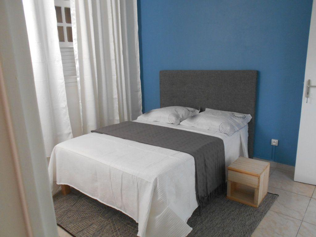 Appartement à louer 4 74.5m2 à Sainte-Luce vignette-4