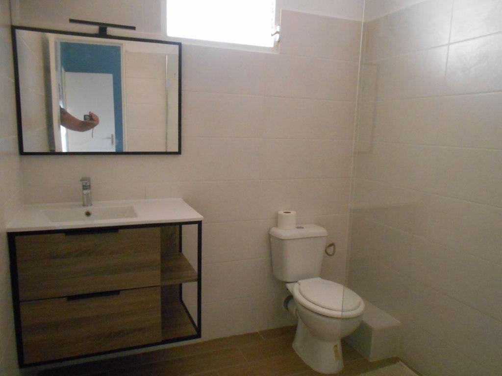 Appartement à louer 4 74.5m2 à Sainte-Luce vignette-8