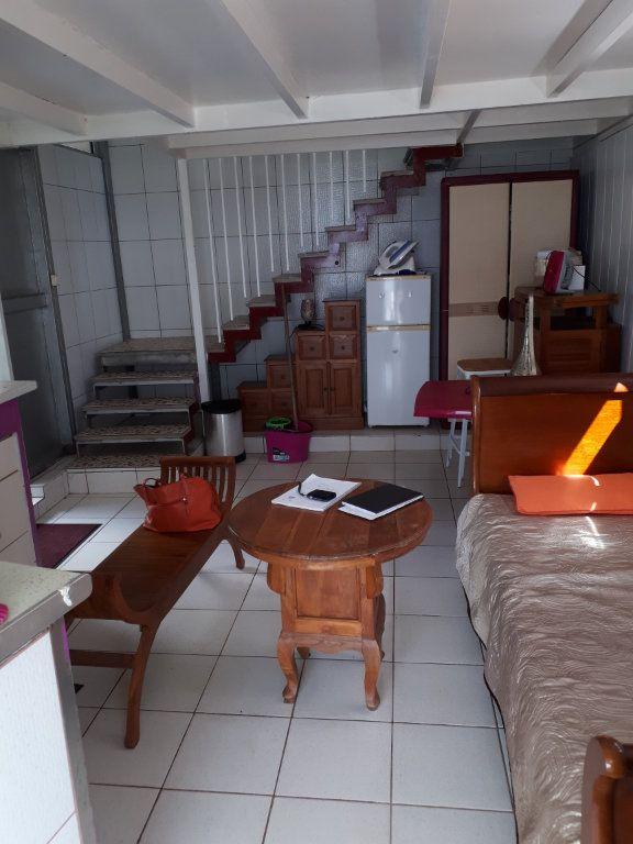 Appartement à louer 2 27.3m2 à Fort-de-France vignette-3