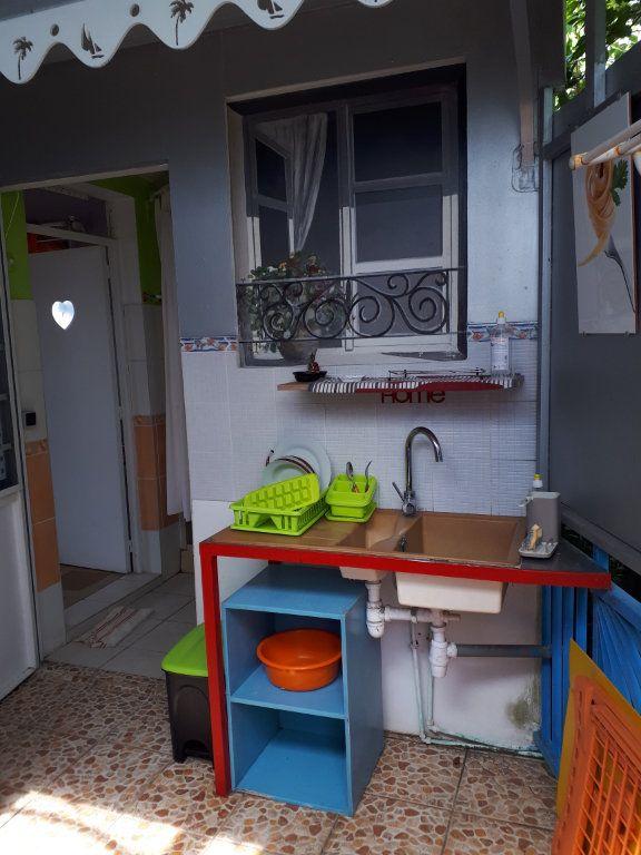 Appartement à louer 2 34.7m2 à Fort-de-France vignette-1