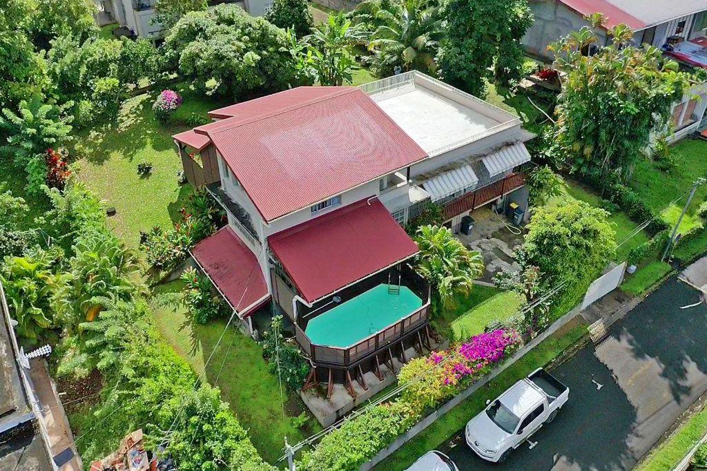 Maison à vendre 7 300m2 à Fort-de-France vignette-2