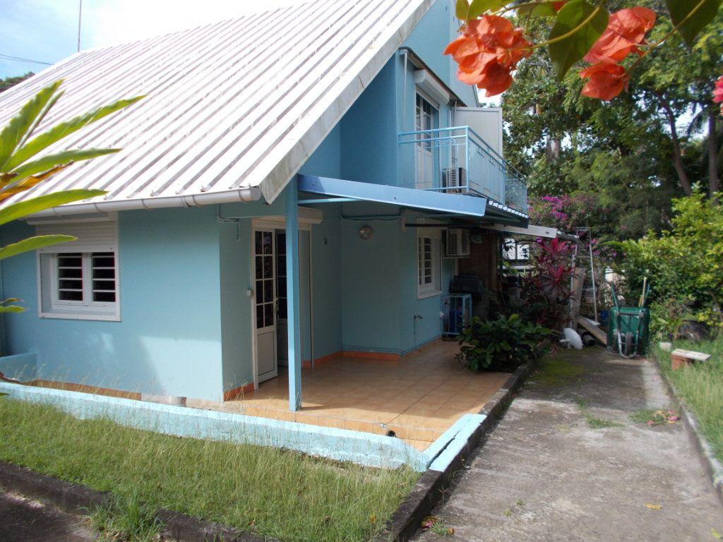 Maison à vendre 3 49.24m2 à Sainte-Anne vignette-4
