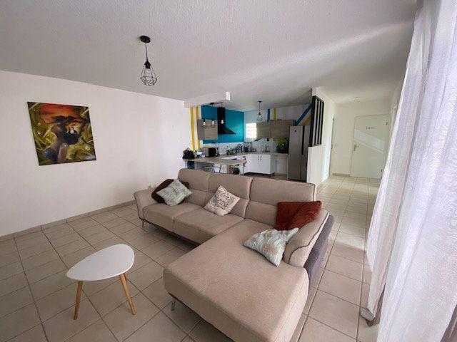 Appartement à vendre 3 72.45m2 à Ducos vignette-2