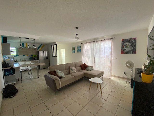 Appartement à vendre 3 72.45m2 à Ducos vignette-3
