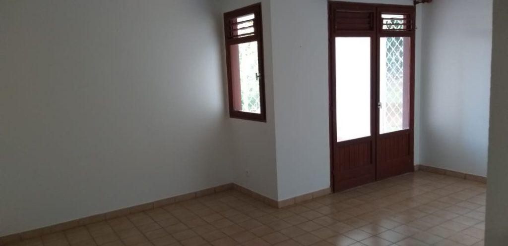 Appartement à louer 2 38.7m2 à Ducos vignette-1