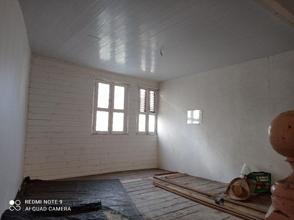 Immeuble à vendre 0 195m2 à Fort-de-France vignette-4