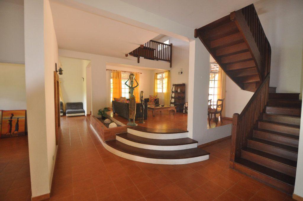 Maison à vendre 6 230m2 à Le François vignette-2