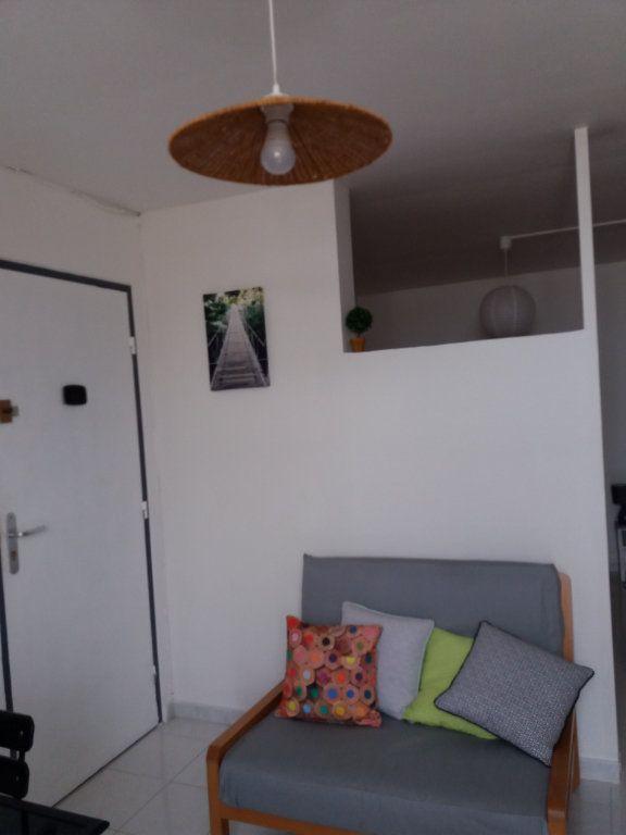 Appartement à vendre 2 18.13m2 à Fort-de-France vignette-2