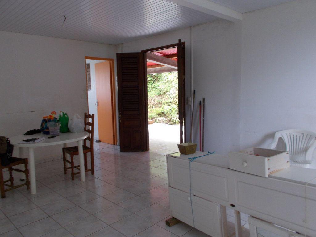 Maison à vendre 3 108.36m2 à Sainte-Marie vignette-2