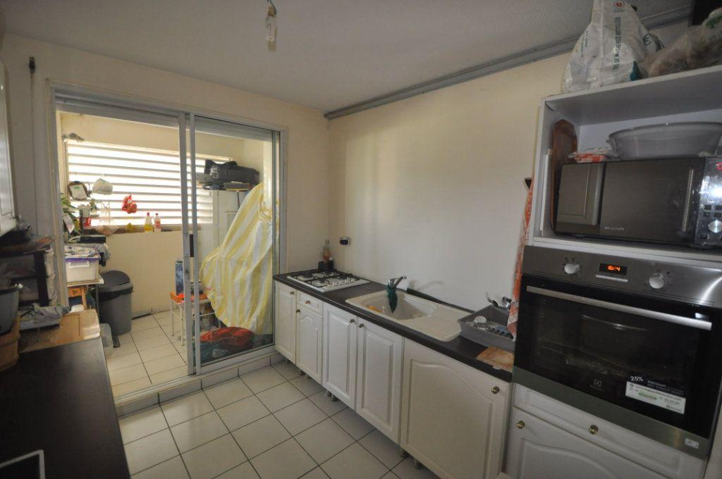 Appartement à vendre 3 71.18m2 à Le Lamentin vignette-3