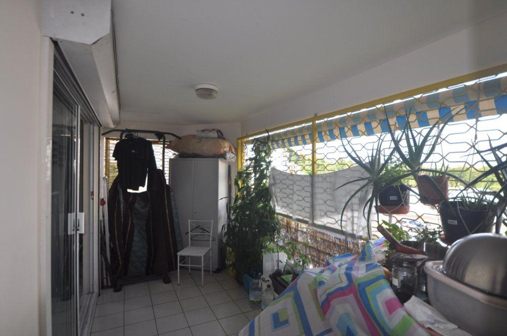 Appartement à vendre 3 71.18m2 à Le Lamentin vignette-4