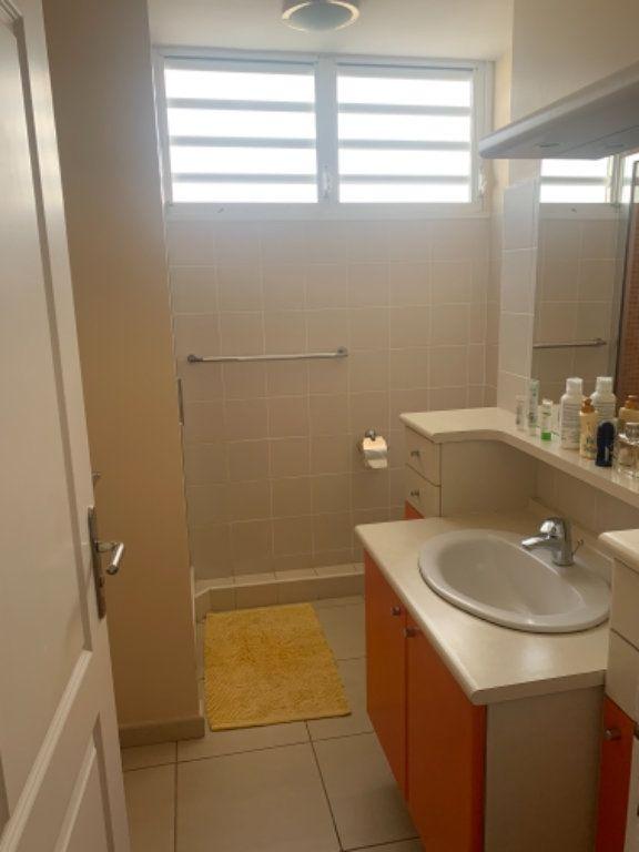 Appartement à vendre 5 120.2m2 à Schoelcher vignette-15