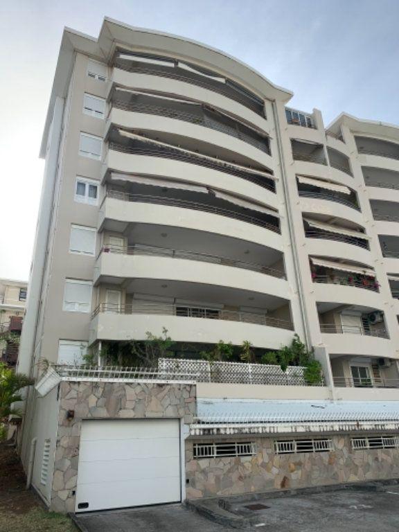 Appartement à vendre 5 120.2m2 à Schoelcher vignette-18