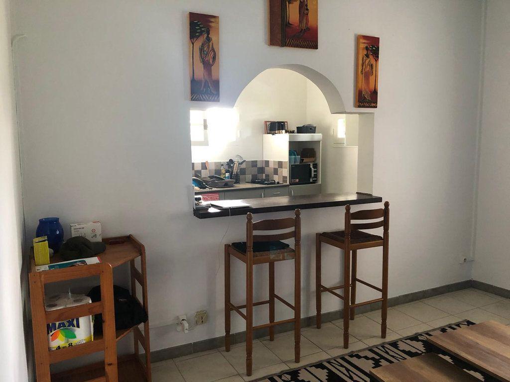 Appartement à louer 2 43.16m2 à Le Lamentin vignette-3