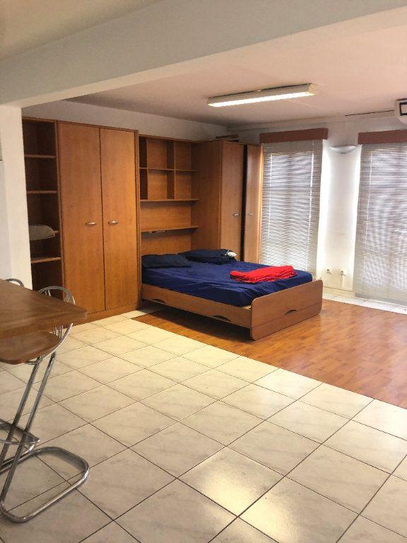 Appartement à louer 2 85.4m2 à Fort-de-France vignette-1