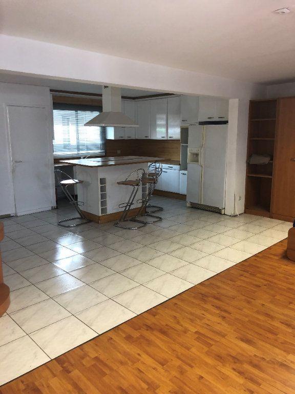 Appartement à louer 2 85.4m2 à Fort-de-France vignette-2