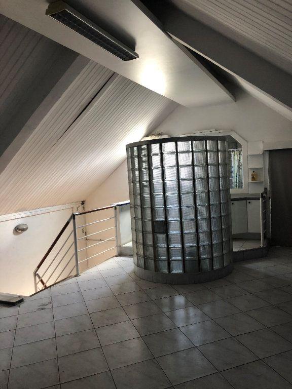 Appartement à louer 2 85.4m2 à Fort-de-France vignette-3