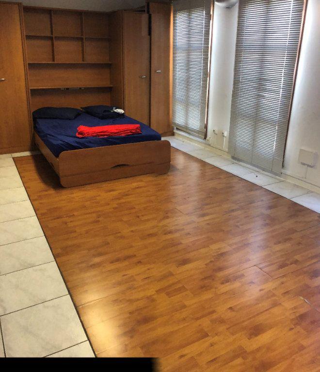 Appartement à louer 2 85.4m2 à Fort-de-France vignette-6