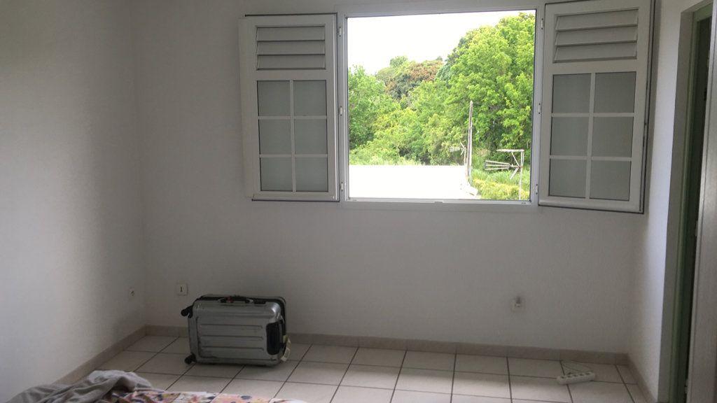Appartement à louer 4 125.38m2 à Fort-de-France vignette-5