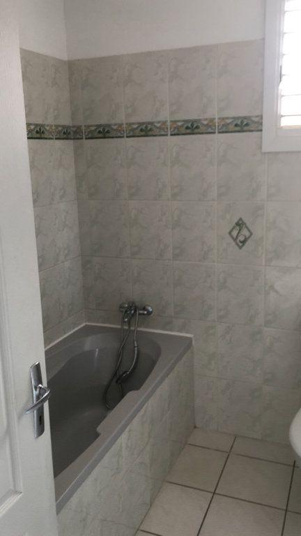Appartement à louer 4 125.38m2 à Fort-de-France vignette-6