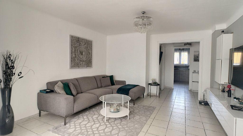 Appartement à vendre 3 64.49m2 à Le Pontet vignette-2