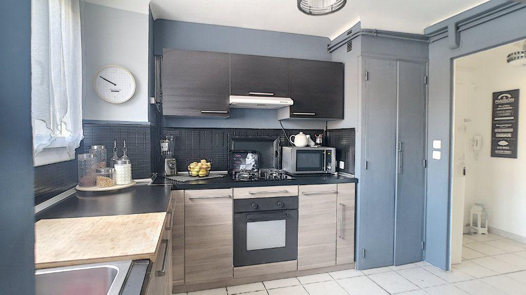 Appartement à vendre 3 64.49m2 à Le Pontet vignette-3