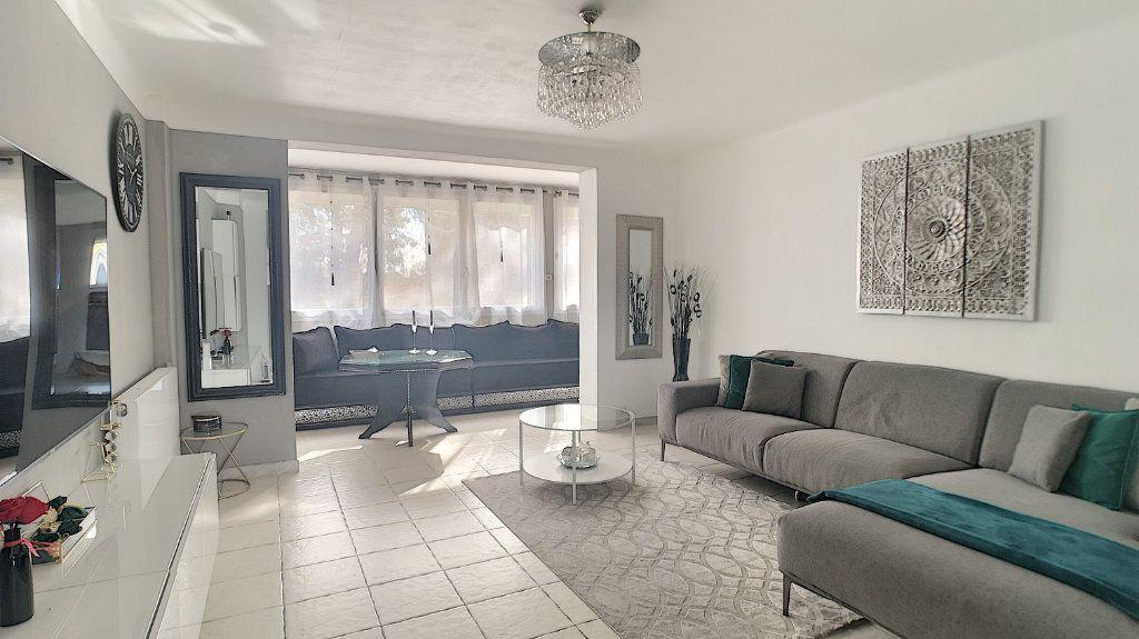 Appartement à vendre 3 64.49m2 à Le Pontet vignette-4
