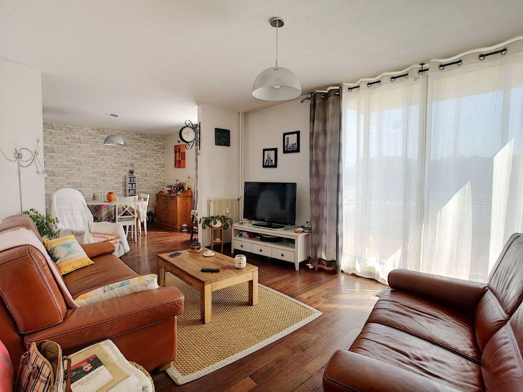 Appartement à vendre 5 100.13m2 à Le Pontet vignette-1