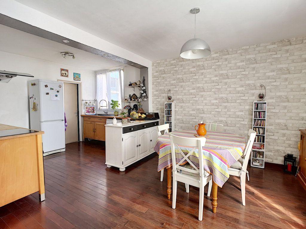 Appartement à vendre 5 100.13m2 à Le Pontet vignette-2