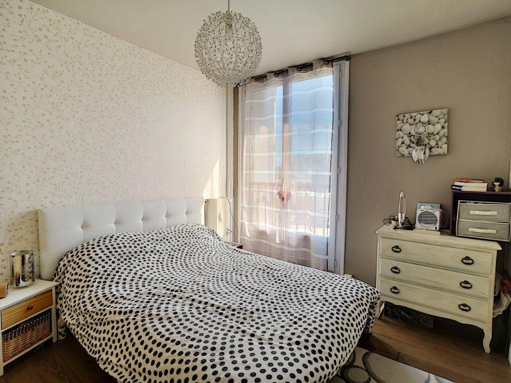Appartement à vendre 5 100.13m2 à Le Pontet vignette-4
