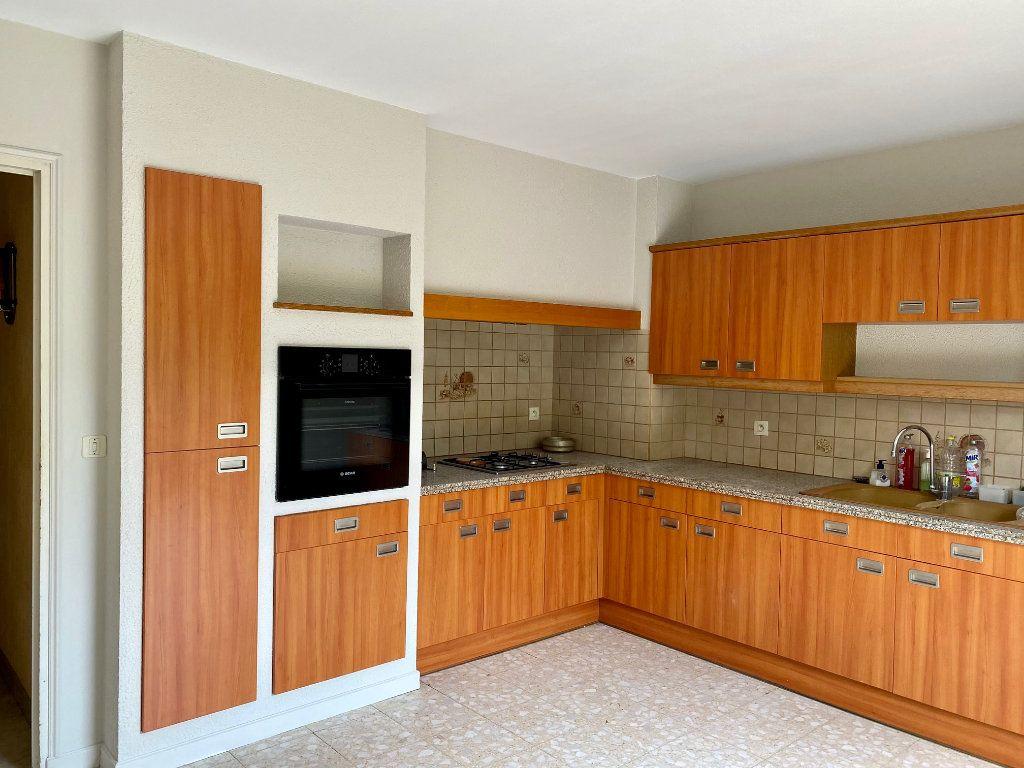 Maison à vendre 5 139m2 à Le Pontet vignette-4