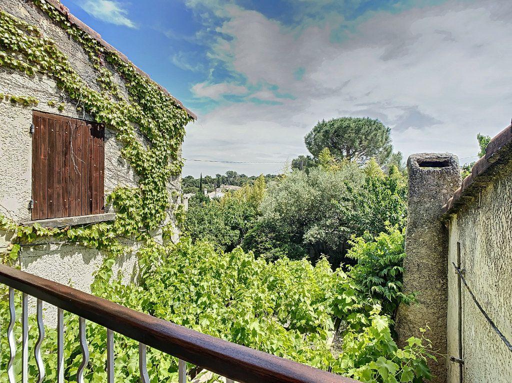 Maison à vendre 5 126.62m2 à Villeneuve-lès-Avignon vignette-3