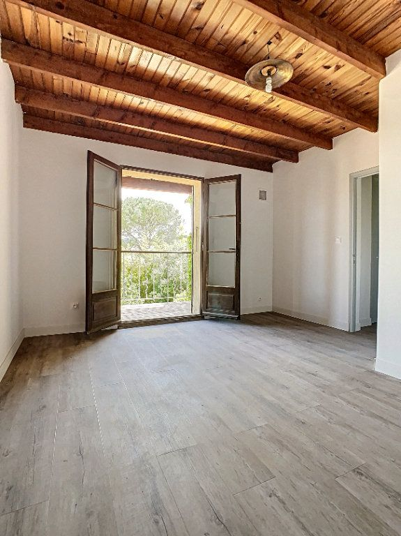 Maison à vendre 5 126.62m2 à Villeneuve-lès-Avignon vignette-8