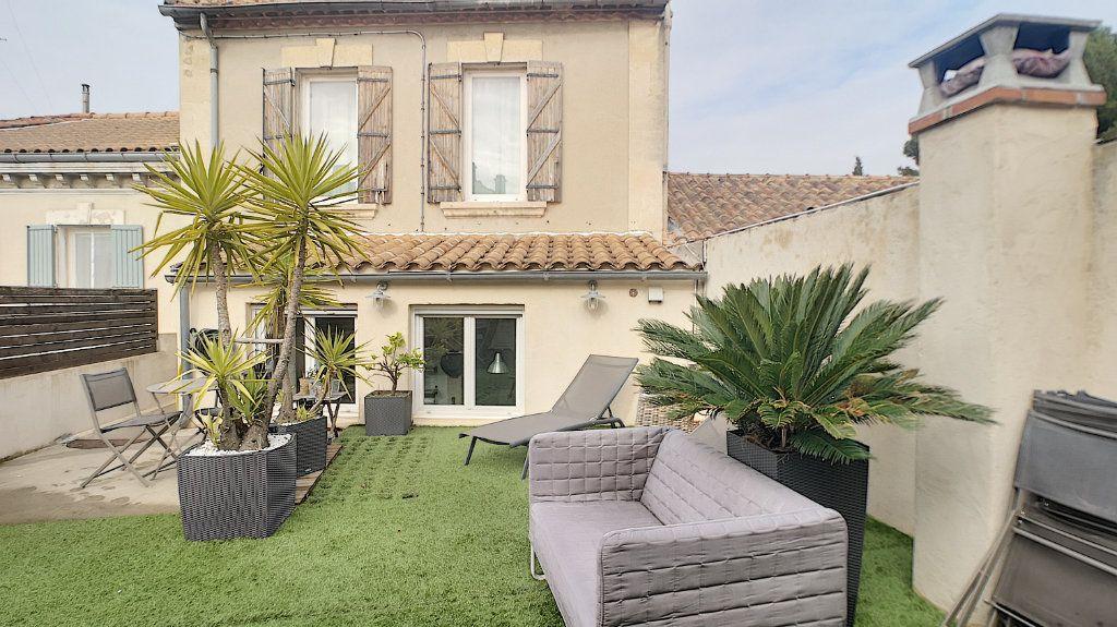 Maison à vendre 6 174.67m2 à Avignon vignette-1