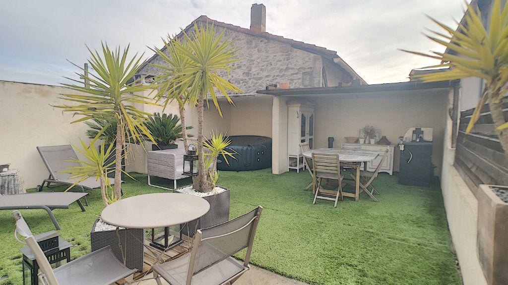 Maison à vendre 6 174.67m2 à Avignon vignette-2