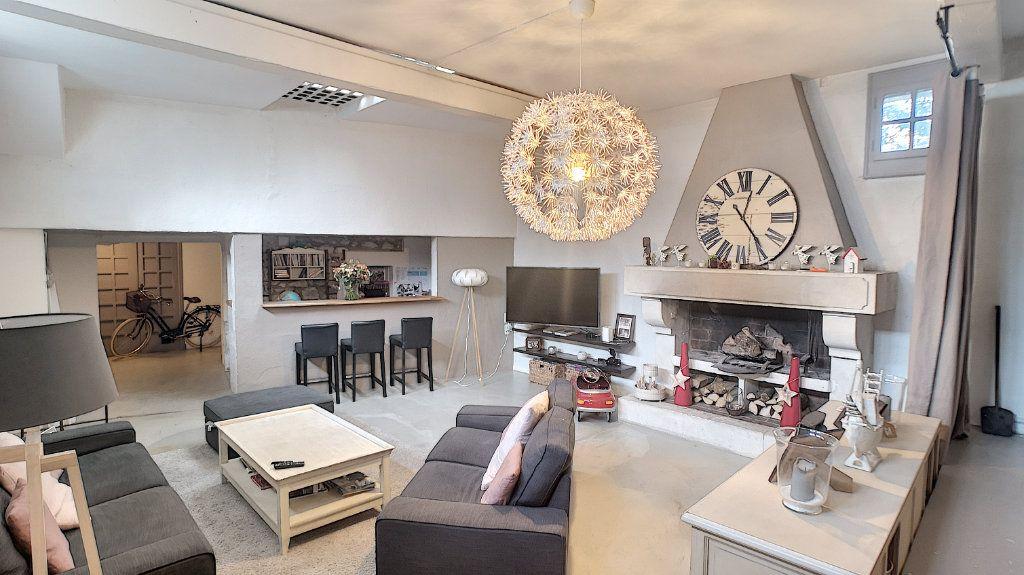 Maison à vendre 6 174.67m2 à Avignon vignette-5