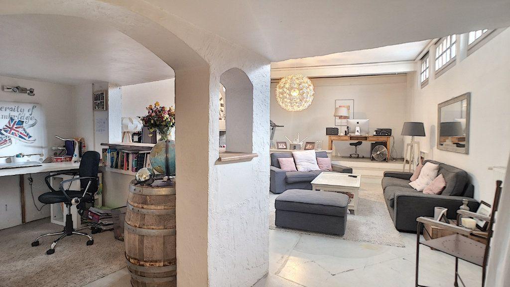 Maison à vendre 6 174.67m2 à Avignon vignette-9