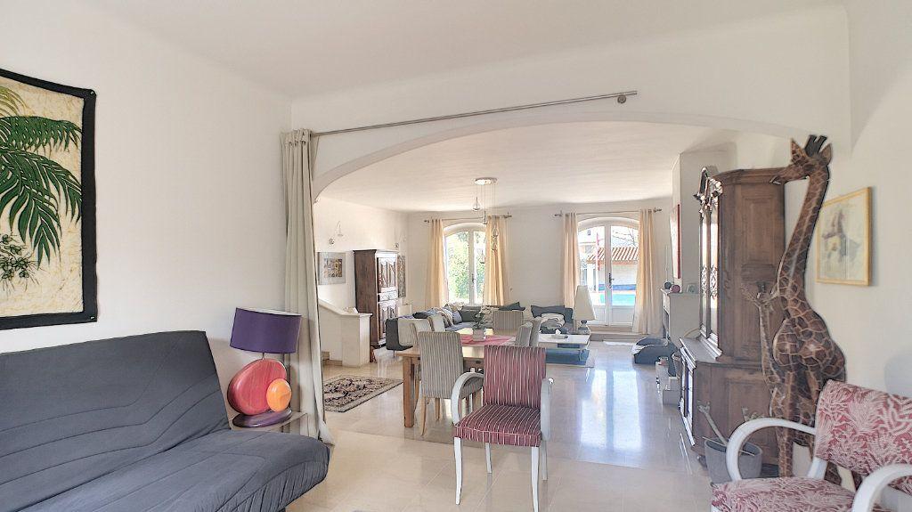 Maison à vendre 6 180m2 à Le Pontet vignette-2