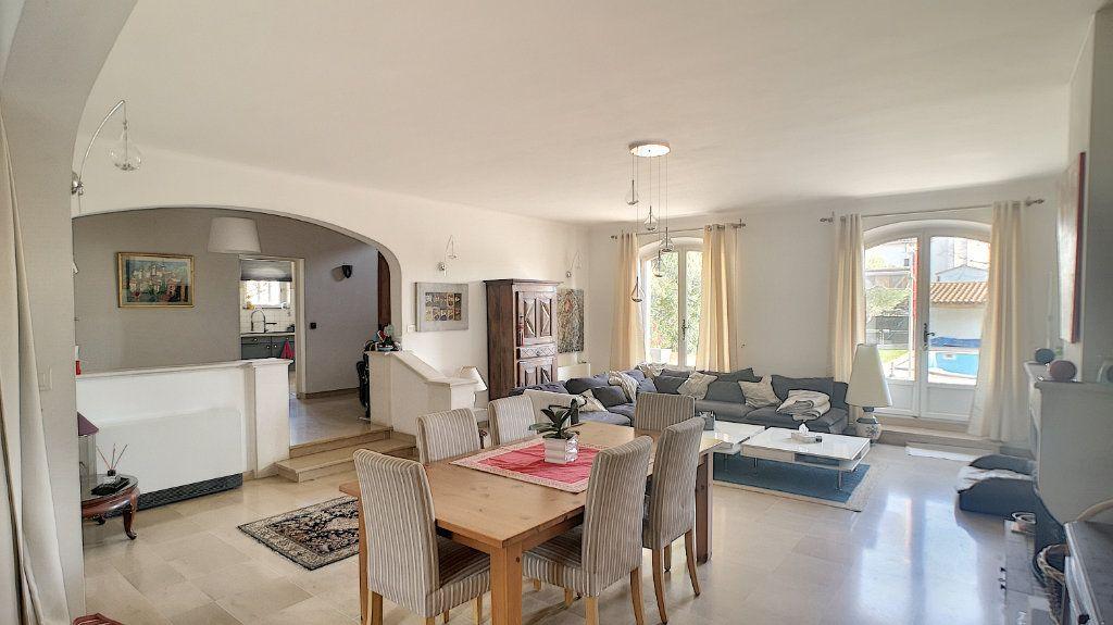 Maison à vendre 6 180m2 à Le Pontet vignette-3