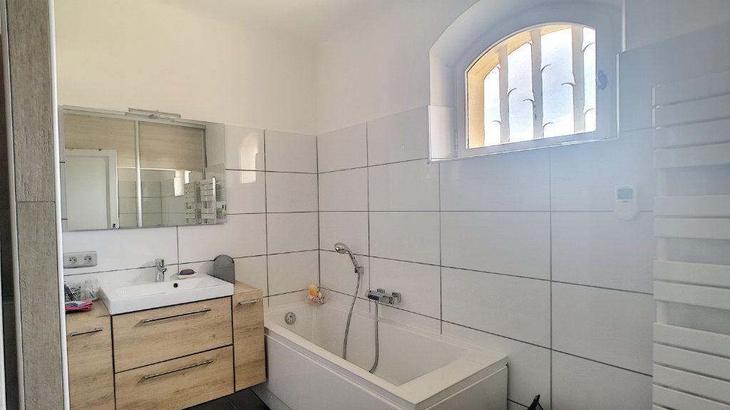 Maison à vendre 6 180m2 à Le Pontet vignette-9