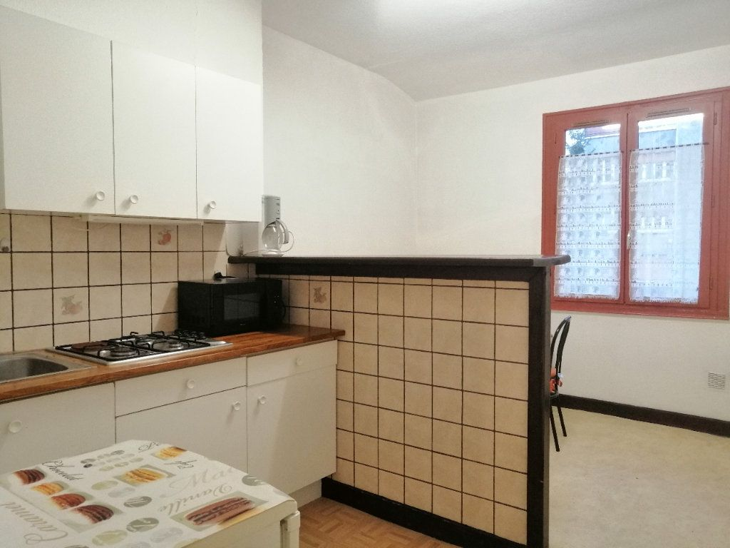 Appartement à louer 1 30.98m2 à Saint-Étienne vignette-1