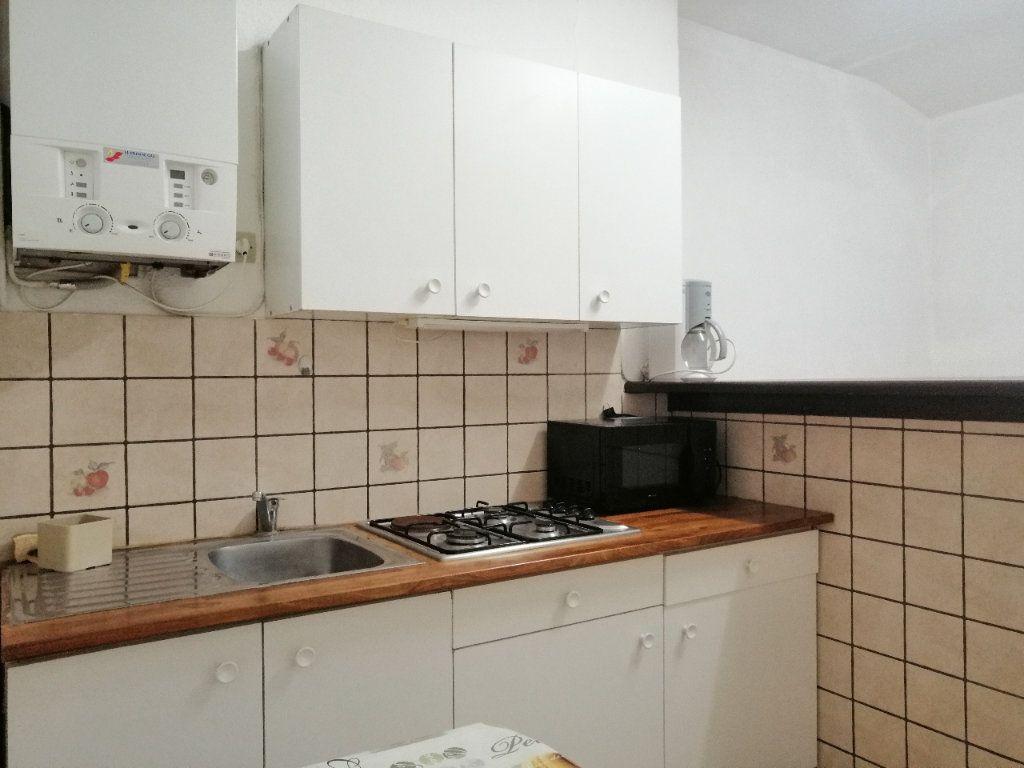 Appartement à louer 1 30.98m2 à Saint-Étienne vignette-2
