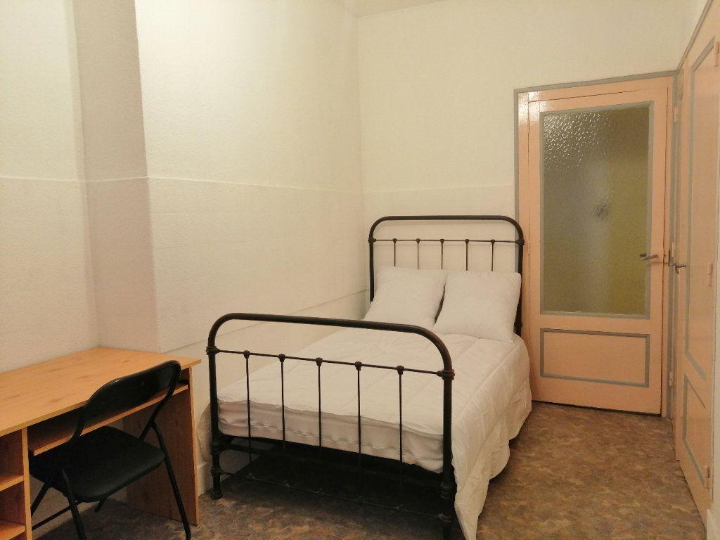 Appartement à louer 1 30.98m2 à Saint-Étienne vignette-3