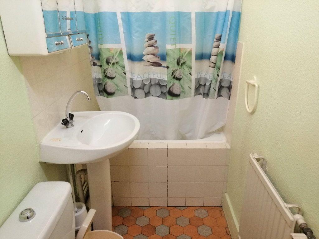 Appartement à louer 1 30.98m2 à Saint-Étienne vignette-4