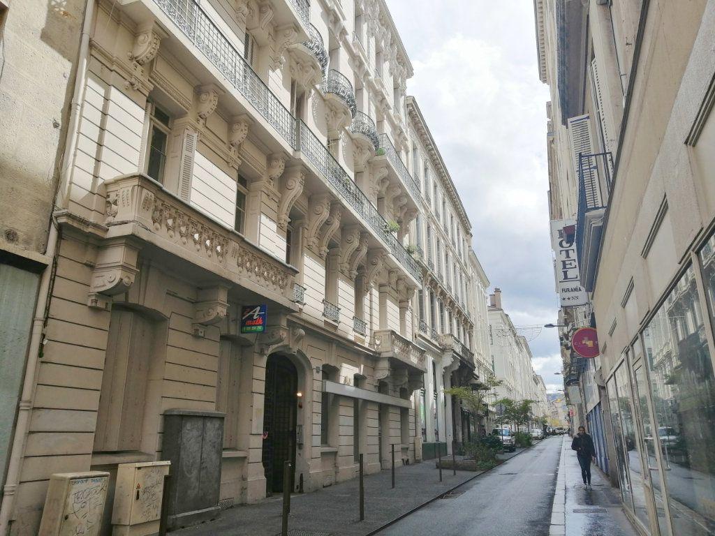 Appartement à louer 2 53m2 à Saint-Étienne vignette-6