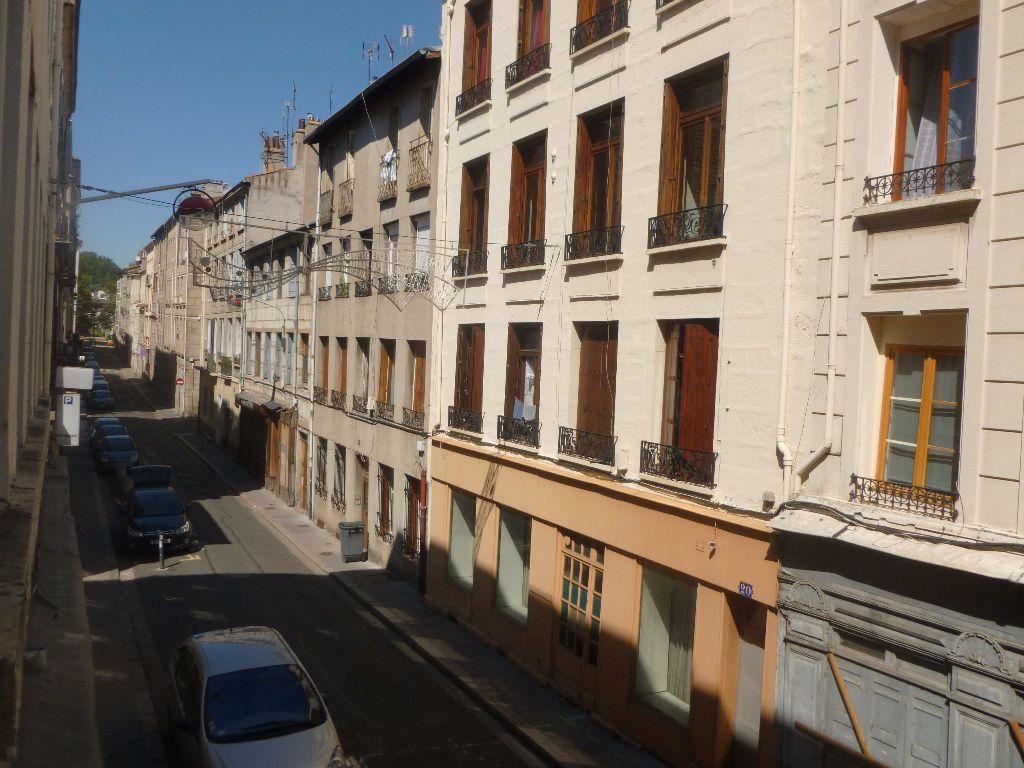 Appartement à louer 2 27.74m2 à Saint-Étienne vignette-4
