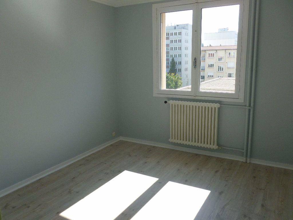 Appartement à louer 3 59.93m2 à Saint-Étienne vignette-4